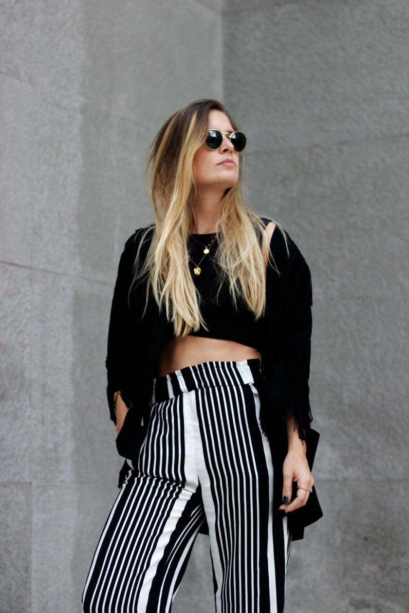 extraschoen_ootd_stripes_palazzo_portrait_sunnies_02_mini