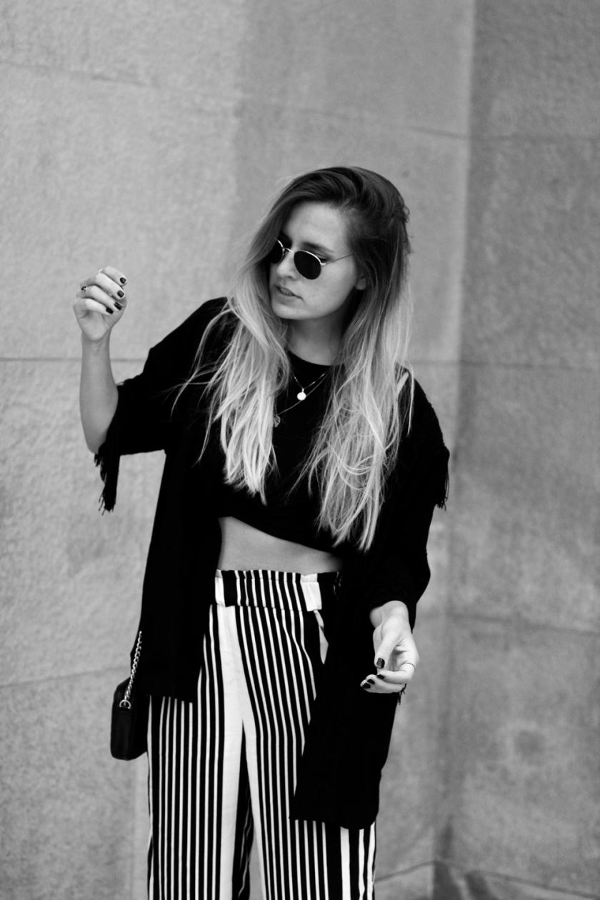 extraschoen_ootd_stripes_palazzo_portrait_sunnies_sw_mini